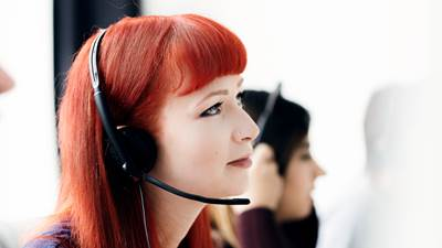 Woman In Call Centre 800X600